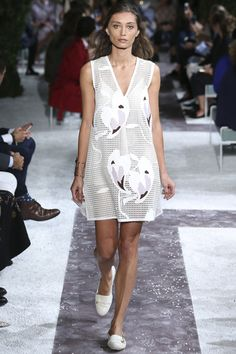 FWPE2015 Suzy Menkes Tod's: Botanical Luxury Milan Fashion Version Week