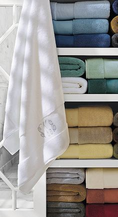 How to Buy the Best Bath Towel. Click This Pin For Your Guide to Cotton, Comfort and Construction. | Frontgate Home + Style