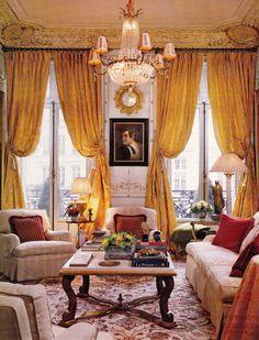 Living Room - Parisian pied-á-terre by Timothy Corrigan AD Dec 07