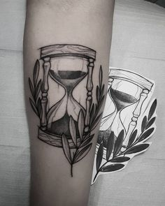 Learn more about tattoo styles and the work of Marquinho Soares - marquinhoandretattoo (Tattoo artist). Baby Tattoos, New Tattoos, Small Tattoos, Girl Tattoos, Greece Tattoo, Egyptian Tattoo Sleeve, Hourglass Tattoo, Arm Tats, Tatuagem Old School