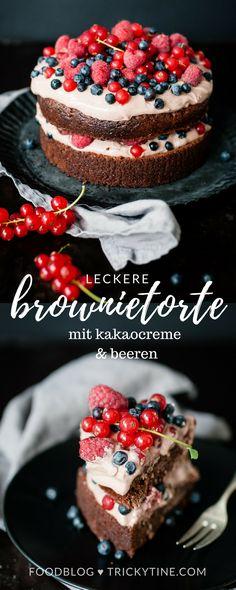 brownietorte mit kakaocreme und beeren ♥ trickytine.com #brownie #cake #baking #food #blog #trickytine