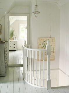 Love white floors