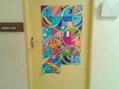 Rentrée cycle 3: porte et arts visuels avec compas et feutres