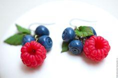 """Купить Серьги """"Малина и черника"""" - полимерная глина, handmade, ягода, украшение с ягодами, вкусные украшения"""