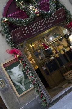 La Prosciutteria - good sandwich shop in Florence for a quick lunch! Sandwich Shops, Best Sandwich, Florence Tuscany, Trip Advisor, Christmas Wreaths, Holiday Decor, Lunch, Rome, Restaurants