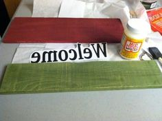 DIY pallet wood signs by Zezzicasprojects