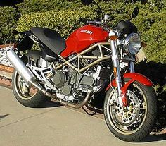 2000 Ducati Monster 900ie