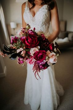 vibrant fuschia wedding bouquet