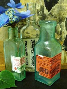 Free Vintage Apothecary Labels ~They look great on old jars and vases, don't they? The drug store labels can even be printed onto cotton sheets and sewed into hand towels!