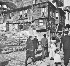 Eski İstanbul'da bir sokak...