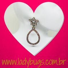 Para usar todos os dias! ⭐Brinco Estrela e Gota - Rosa By Nikah Costa por R$ 29,90 #acessóriosfemininos #acessóriosmasculinos #acessorios #bijuteria #bijuterias #bijoux #visitenossaloja #bijuteriaonline #exclusividade #novidades #trendalert #moda #tendencia #lojavirtual #lojaonline #look #caraguatatuba #jundiai #brasil #estrela #rosa #brinco #brincos #brincoleve #brincobasico #look #diadosnamorados #presenteparaela #paraela