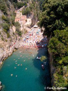 http://guia.viajobien.com/6-lugares-de-la-costa-amalfitana-que-tienes-que-conocer/