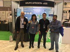 En el stand de GRUPO AFRONTA. De izquierda a derecha: un servidor, Esther González (Socia de IBEROLEX), Alberto Contreras (CEO de GRUPO AFRONTA) y José Manuel Ortiz (Socio de IBEROLEX)