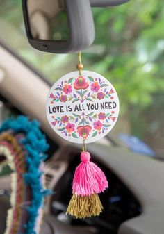 Clay Crafts, Diy And Crafts, Arts And Crafts, Paper Crafts, Cute Car Air Freshener, Wood Slice Crafts, Cute Car Accessories, Ideias Diy, Cute Cars