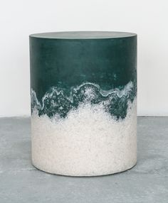 Mixed material of rock and Himalayan salt drum table - Photo: Cary Withers / Courtesy of DeLorenzo Gallery