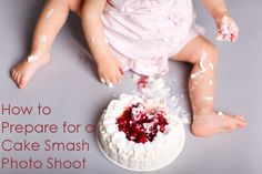 Want to try a cake smash? Whether you want birthday photos or just some fun images, here are the basics of a cake smash photo shoot. New Birthday Cake, Birthday Party Snacks, Birthday Crafts, Birthday Nails, Birthday Ideas, Cake Photography, Photography Ideas, Birthday Photography, Photography Lessons