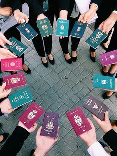 An international flight attendant and her crew. An international flight attendant and her crew. Airplane Photography, Travel Photography, Passport Online, Ft Tumblr, Flight Attendant Life, International Flights, International Friends, New Travel, Travel Tips