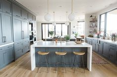 Cabinets in Benjamin Moore's Cheating Heart