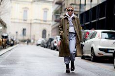 El abrigo XXL se convierte en el rey de las calles de Milán- ElleSpain