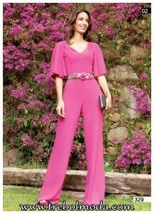 Pretty in pink Jumpsuit Pattern, Ruffle Jumpsuit, Fashion Pants, Fashion Dresses, Only Fashion, Womens Fashion, Mother Of Bride Outfits, Square Pants, Elegant Outfit