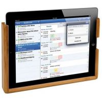 20 EUROS  support bois bambou pour tablette apple Ipad vous permettra de ranger facilement votre tablette au mur pour la ranger à l'abris des chocs et des chutes ou simplement pour regarder vos photo ou vidéos en bateau, en camping-car ou en fourgon aménagé.  Caractéristiques techniques du BAMBOO Support ipad accessoire rangement bateau et camping-car :  - Dimensions intérieures : 243 x 155 x 15 mm  - Orifice pour câble charge et données  - Fixation par vis  - Bambou véritable Rangement Caravaning, Support Ipad, Camping Car, Train, Phone, Business, Fixation, Dimensions, Ranger