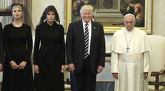 The face of the best Pope ever says it all!!!!  Los Trump junto a al Papa Francisco. (Gtres)