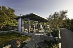Barton Myers Associates designed a home located in the hills above Montecito, California.