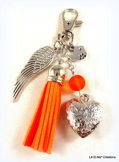 """Bijou de sac, grigri, Lili et Ma* Créations """"pompon coloré orange"""" : Porte clés par lili-et-ma-creations"""