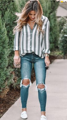 Classy school outfits, college outfits, fall tomboy outfits, women casual o Distressed Jeans Outfit, Outfit Jeans, Ripped Jeans Outfit Casual, T Shirt And Jeans Outfit, White Shoes Outfit, Striped Dress Outfit, Ripped Denim, Casual Shirt, Distressed Denim