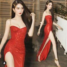 Kpop Fashion Outfits, Girls Fashion Clothes, Edgy Outfits, Classy Outfits, Pretty Outfits, Fashion Dresses, Cute Prom Dresses, Elegant Dresses, Pretty Dresses