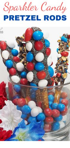 Get ready to celebrate summer with Sparkler Pretzel Rods covered with M&M'S® Peanut Red, White & Blue Candies! Chocolate Covered Cherries, Chocolate Sprinkles, Patriotic Desserts, Patriotic Decorations, Fourth Of July Decor, 4th Of July, Pretzel Rods, Blue Candy, Edible Centerpieces