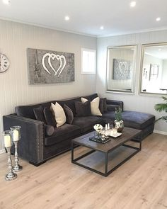 Are you looking to brighten up a dull room and searching for interior design tips? One great way to help you liven up a room is by painting and giving it a whole new look. Living Room Styles, Living Room Grey, Living Room Modern, Living Room Furniture, Living Room Designs, Living Room Decor, Living Rooms, Sofa Furniture, Home Design