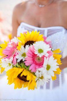 daisies and sunflowers wedding