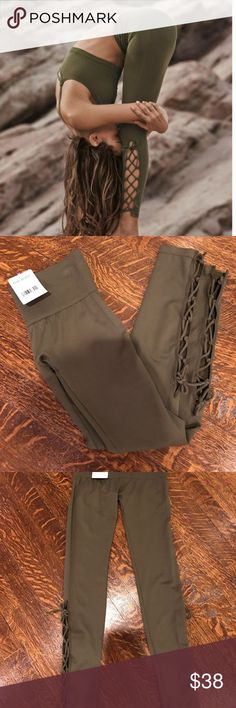 🎉HP🎉BNWT FREE PEOPLE On Tour Leggings NWT - #FREE #HPBNWT #Leggings #NWT #people #Tour Yoga Leggings, Leggings Are Not Pants, Fitness Studio, Ankle Length, Army Green, Fashion Tips, Fashion Design, Fashion Trends, Studio Workouts