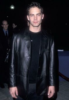 Paul Walker attends the 'Varsity Blues' Hollywood Premiere on January 7, 1999 at Paramount Theatre, Paramount Studios in Hollywood, California.
