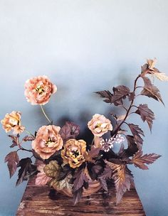 Floral book 'Blooms' showcases the work of more than 80 designers across the globe, from established florists to new talent. Daffodils, Pansies, Dahlia Centerpiece, Centerpieces, Floral Wedding, Wedding Flowers, Alternative Wedding Inspiration, Mustard Wedding, Bloom Baby
