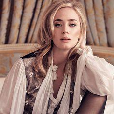 British Actresses, Actors & Actresses, Princess Tutu Dresses, Emily Blunt, Darren Criss, People Magazine, Celebrity Babies, Celebs, Celebrities