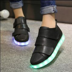 #girlsledshoes #blackledshoes #girlsblackledshoes #ledshoes #girlslowtopshoes.Girls can get stylish look with this black led shoes.Buy latest collection of girls black low-top shoes with led lights.