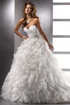 2014 Wedding Dresses Ball Gown Sweetheart Court Train Organza With Beading And Sequince