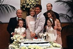 After being reunited at Summer camp, twins Hallie and Annie (Lindsay Lohan) bring back together their birth parents, Elizabeth (Natasha Richardson) and Nick (Dennis Quaid). Photo courtesy of Walt Disney Pictures Lindsay Lohan, Movies Showing, Movies And Tv Shows, Wedding Gallery, Wedding Photos, Parent Trap Movie, Natasha Richardson, Famous Wedding Dresses, Sweet 15