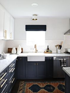 Kitchen Blue Kitchen Design Kitchen With Dark Blue Cabinets Ocean Themed Kitchen Kitchen Wall Backsplash Ideas Painted Kitchen Cabinets Color Ideas Small Kitchen Paint Colors 45 Charming Navy Blue Kitchen Ideas Dark Wood Kitchen Cabinets, Painting Kitchen Cabinets, Kitchen Paint, New Kitchen, Kitchen White, Kitchen Modern, Kitchen Ideas, Design Kitchen, White Cabinets
