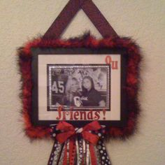 School Spirit frame :) Homemade Picture Frames, Screaming Eagle, Spirit Gifts, Prom Flowers, Student Council, Holy Family, School Spirit, Mustangs, Cheerleading