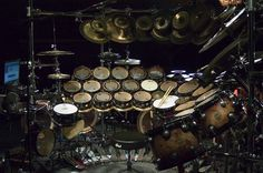 Terry Bozzio you SOB. This thing would scare me Terry Bozzio, Drums Wallpaper, Drum Parts, Electric Music, Drums Beats, Neil Peart, Drum Lessons, Music Stuff, Musical Instruments