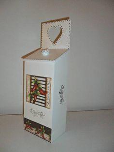 puxa saco em mdf com pintura na cor bege e decoupagem motivo pimentas (encomenda Glaucia - Araras/SP) R$ 25,00