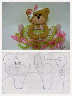 Little felt bear. Felt Patterns, Stuffed Animal Patterns, Craft Patterns, Sewing Toys, Sewing Crafts, Sewing Projects, Felt Fabric, Fabric Dolls, Felt Templates