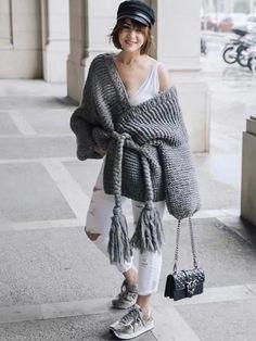 Womens Autumn Winter Hand Made Boho Knitted Cardigan Tassel Straps Sweater Chic Cardigan Style, Chunky Cardigan, Crochet Cardigan, Winter Trends, Mode Outfits, Fashion Outfits, Knit Fashion, Fashion Coat, Sweater Coats
