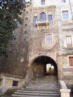 La Salita dei Borgia, Roma- Balcone di Vannozza Cattanei