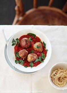Zjedzmy coś. Klopsiki w sosie pomidorowym? | White Plate