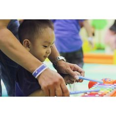 :  Christo\'s photoshoot . . . . #eclickkidsphotography #kidsphotography #kids #photography #fotoanak #birthday #birthdayphoto #photoshoot #jasafotografi #jasafotoulangtahun #holidayphotography #indoorphotography #outdoorphotography #indonesianphotography #surabayaphotography #surabayaweddingvendor #instakids #baby #babyphotography #babyphotoshoot #babygirl #kidsofinstagram #kidsfashionistamodel #family #familypotrait #familyphotography