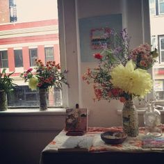installation at the carrack late summer flowers #arrangementsbylee photo copyright lmc